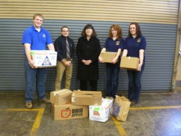 Greenville FFA donates food