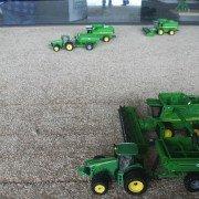 toy-tractors