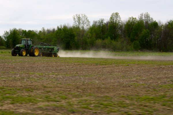 Schmerge Farms drilling beans outside Botkins May 5th.
