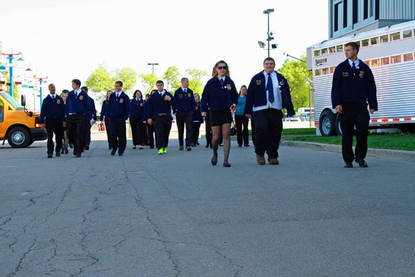 ffa students walking