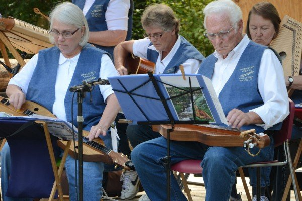 The Mad River Dulcimer Society entertains the crowd with some pleasant tunes.