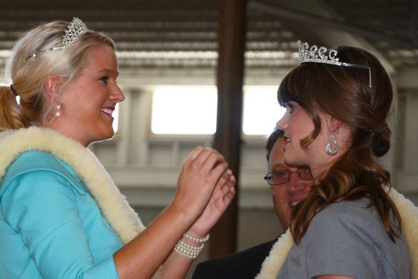 Outgoing Ohio Lamb and Wool Queen Mikayla Pitman crowns the new queen Katherine Wenner from Delaware County.