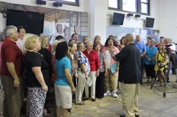 Alumni of the Ohio State Fair choir sang at the unveiling.