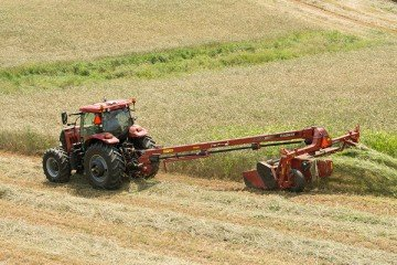 The new Case IH DC3 series disc mower conditioners are designed to improve dry down for better hay quality. A new cutterbar cuts closer and cleaner, getting more hay into windrows.