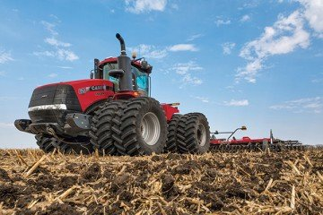 The new wider track undercarriage on the Case IH Steiger Rowtrac 500 will accommodate 24-inch and 30-inch tracks, applying even less ground pressure on the soil between rows.