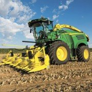 Three new models are added to the Deere SPFH lineup to deliver optimal harvesting speed, reliability and forage quality.