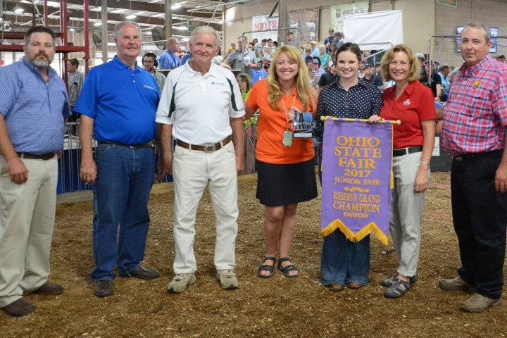 Res. Grand Champion: Light Crossbred, Ella Sprang, Lakeville