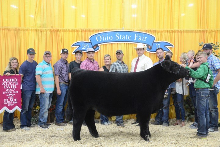 Fourth overall: Division 4 Champion Crossbred, Lane Underwood, Hardin Co.