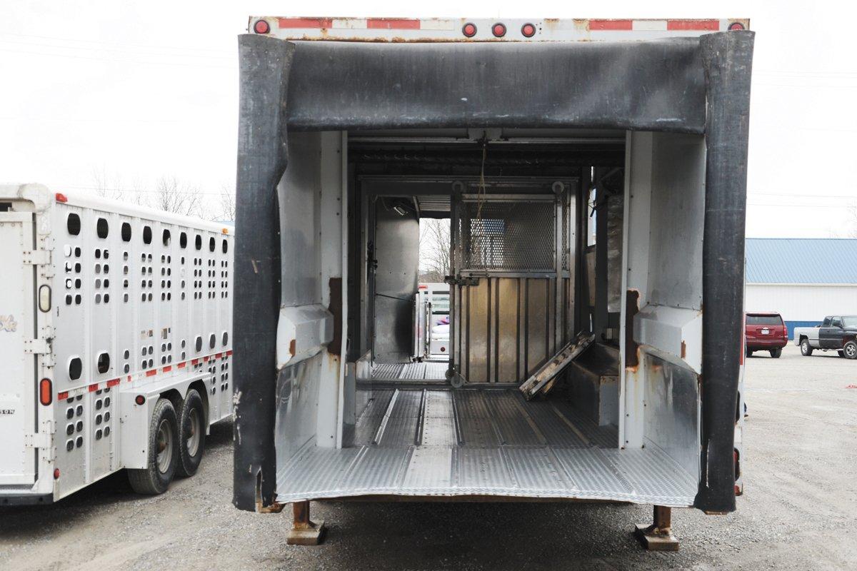 Novel Loader Offers Improved Safety Loading Hogs at Cooper Farms